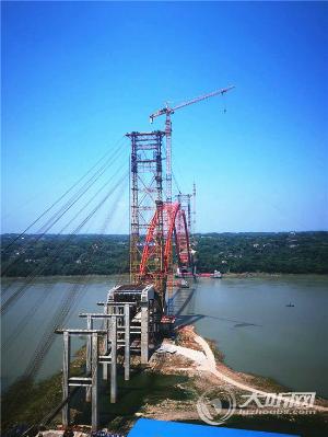 泸州合江长江公路大桥建树顺遂 主拱估量本月25号合拢